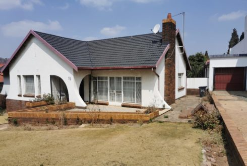 AUCTION 14 Sept 2021 @ 11:00 - Linmeyer - 2 Bedroom Dwelling